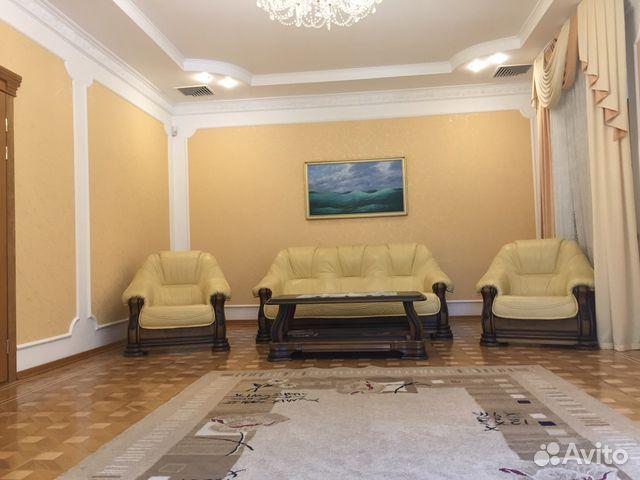 Продается трехкомнатная квартира за 20 150 000 рублей. респ Крым, г Ялта, ул Чехова.