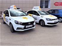Водитель Яндекс Такси на Фольксваген Поло