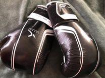 Перчатки для кикбоксинга